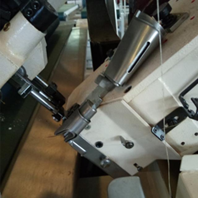 FB5A 自动翻转床垫缝纫围边机